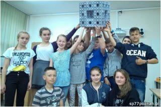 Kostka Mengera zbudowana przez klasę VIB